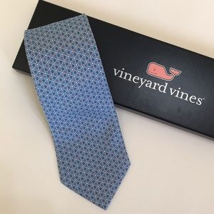 Vineyard Vines 100% Silk Stars Tie With Box